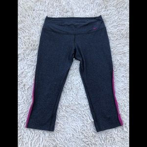 Nike DRI-FIT Cropped Leggings SZ M